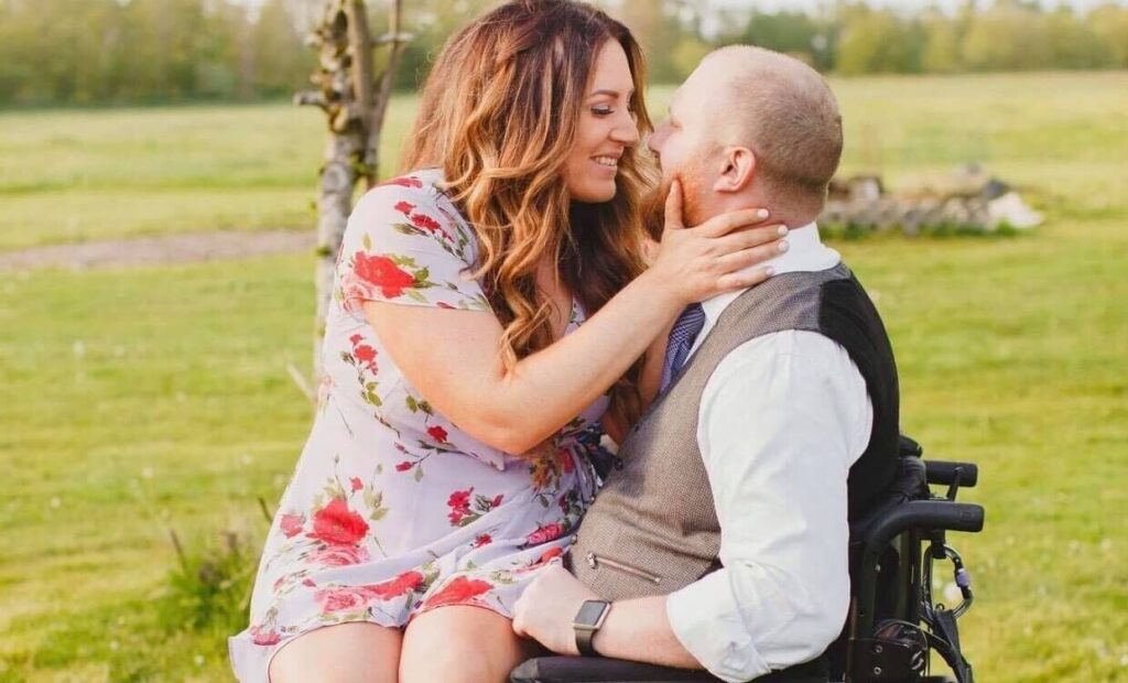 Why dating (or marrying) a guy in a wheelchair is the next big thing | Brooke Page (WAGS of SCI)