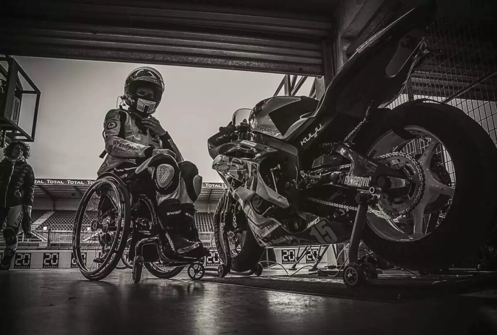 ULLA KULJA – THE FAST FINN – MOTORCYCLE RACING WITH THE WHEELCHAIR